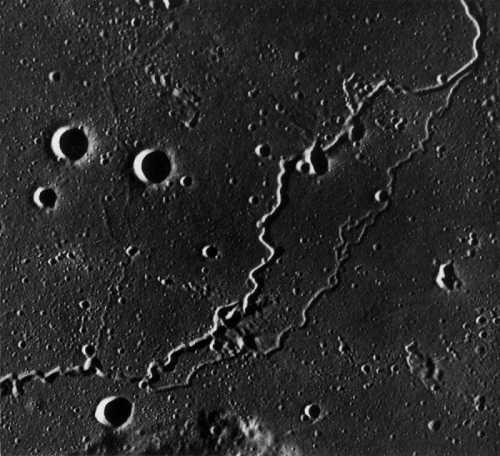 الأدلة العلمية والشرعية على انشقاق القمر
