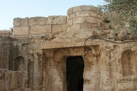 صور كهف الرقيم في أبو علندة في الأردن