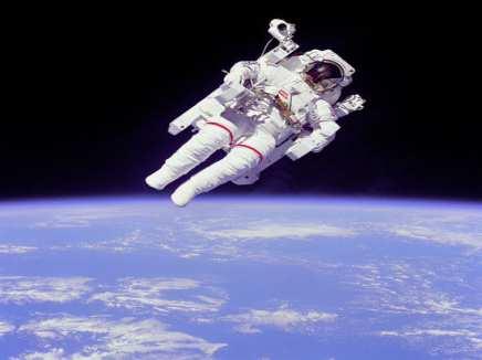 التصوير القرآني لأضرار الصعود في الفضاء